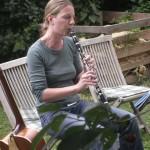 Eva klarinettiert